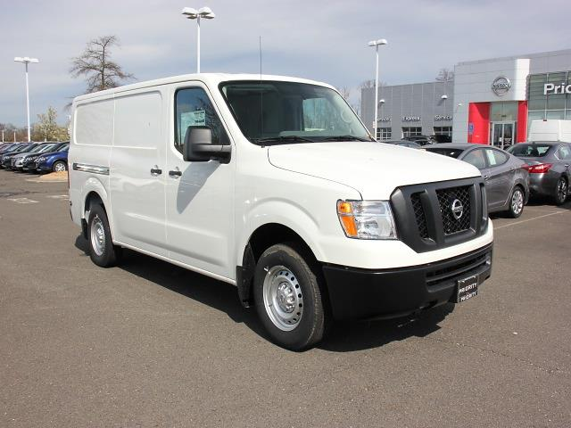 2020 Nissan NV1500 Standard Roof 4x2, Empty Cargo Van #D803323 - photo 1