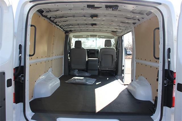 2021 Nissan NV2500 4x2, Empty Cargo Van #L804308 - photo 1