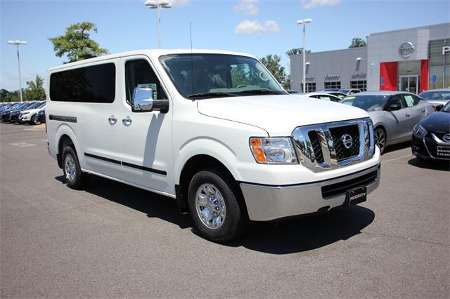 2020 Nissan NV3500 4x2, Passenger Wagon #L850855 - photo 1