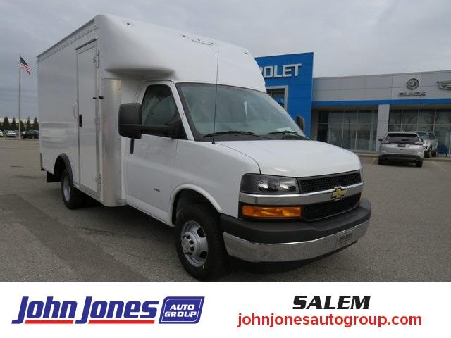 2020 Chevrolet Express 3500 4x2, Rockport Cutaway Van #S1434L - photo 1