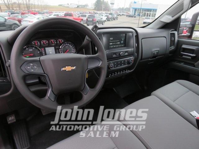 2019 Chevrolet Silverado Medium Duty Regular Cab DRW 4x4, Miller Industries Century Rollback Body #S1864K - photo 7