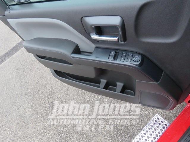 2019 Chevrolet Silverado Medium Duty Regular Cab DRW 4x4, Miller Industries Century Rollback Body #S1864K - photo 22