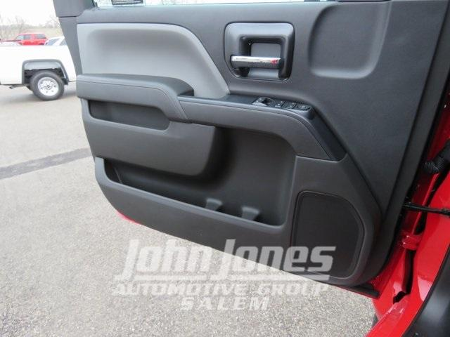 2019 Chevrolet Silverado Medium Duty Regular Cab DRW 4x4, Miller Industries Century Rollback Body #S1864K - photo 23