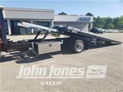 2019 Chevrolet Silverado Medium Duty Regular Cab DRW 4x4, Miller Industries Century Rollback Body #S1864K - photo 14