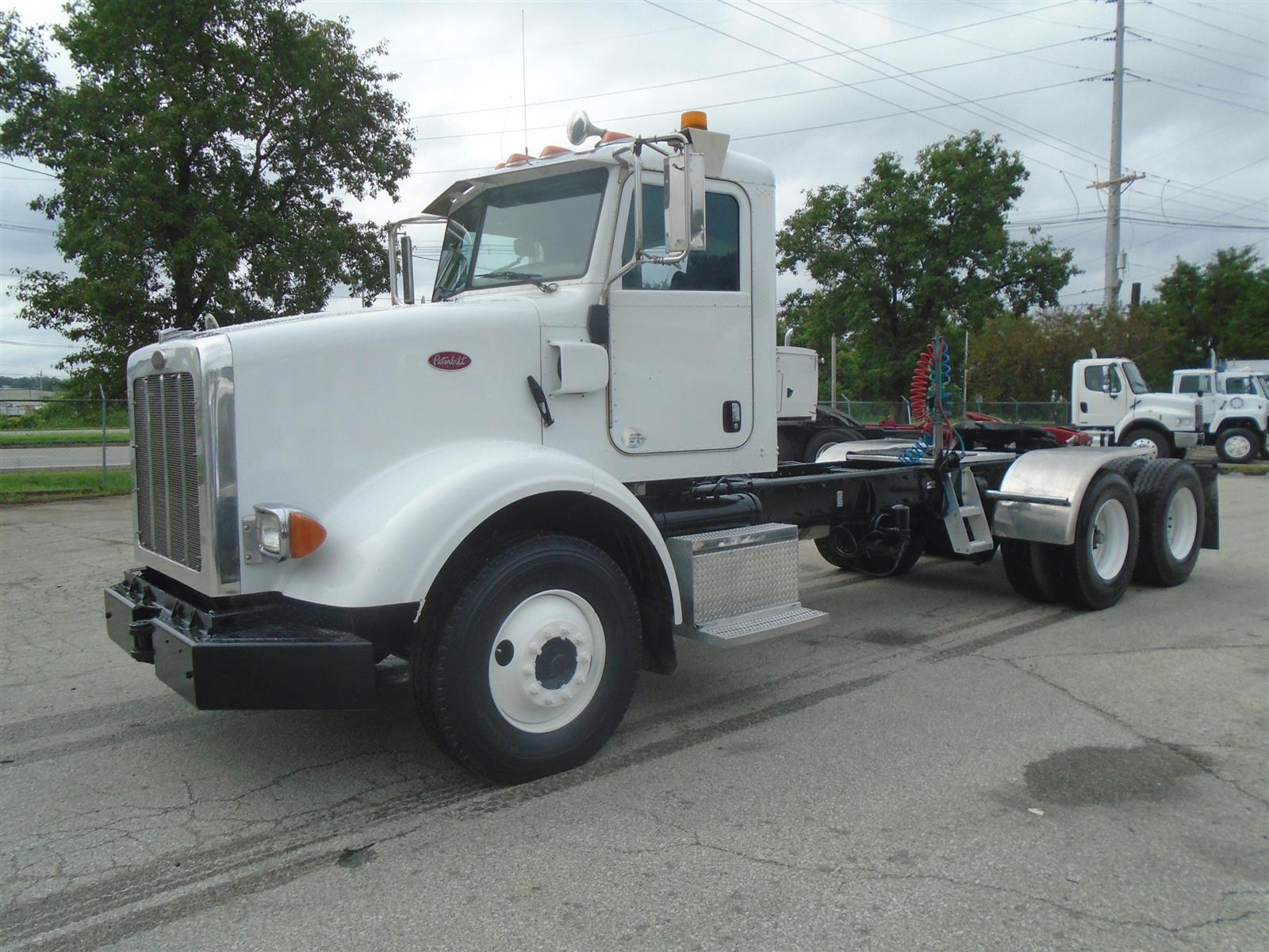 2012 Peterbilt 365 Day Cab 6x4, Tractor #29056 - photo 1