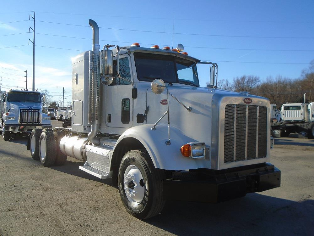 2015 Peterbilt 365 Sleeper Cab 6x4, Tractor #61528 - photo 1