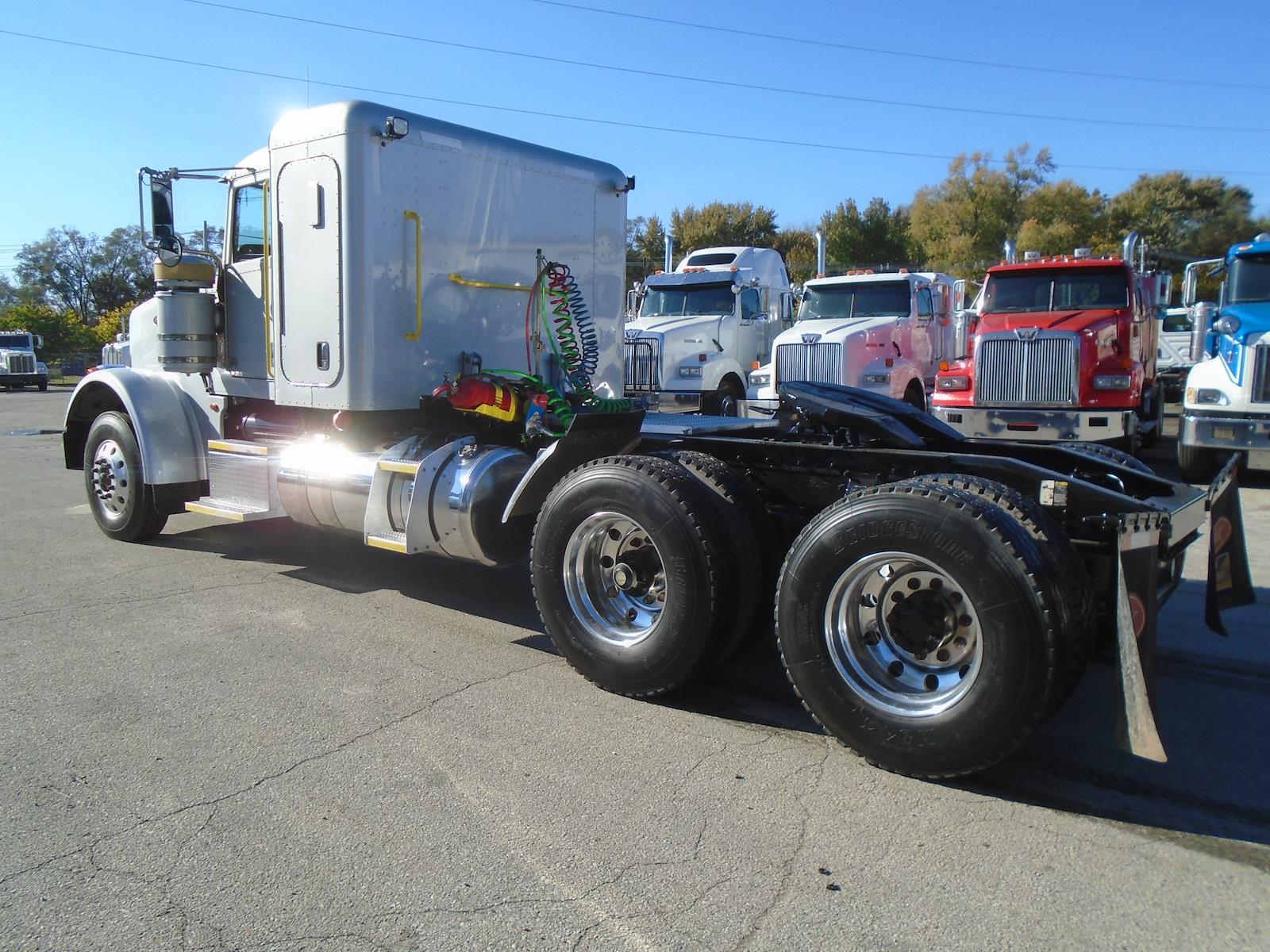 2014 Peterbilt 367 Sleeper Cab 6x4, Tractor #88623 - photo 1