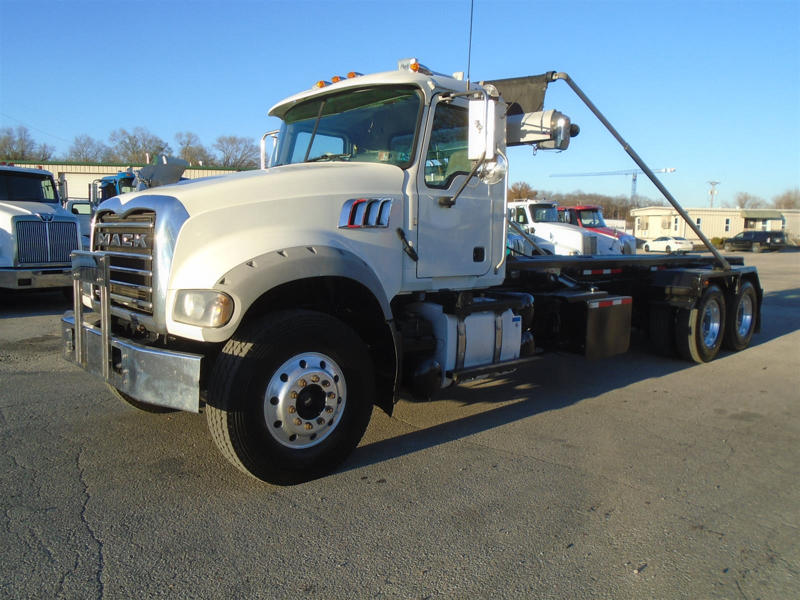 2015 Mack GU713, Galbreath Roll-Off Body #Unit #23251 - photo 1