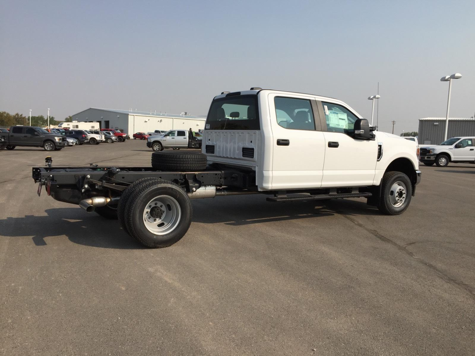 2020 Ford F-350 Crew Cab DRW 4x4, Cab Chassis #1XF20221 - photo 1
