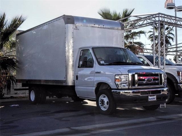 2021 Ford E-450 4x2, Supreme Cutaway Van #00210003 - photo 1