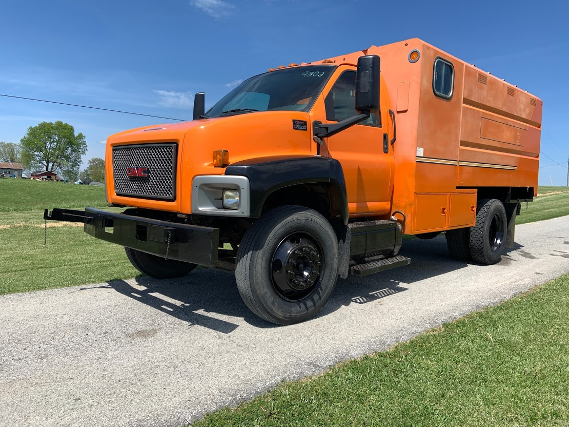 2008 GMC C6500 Regular Cab 4x2, Chipper Body #9303 - photo 1