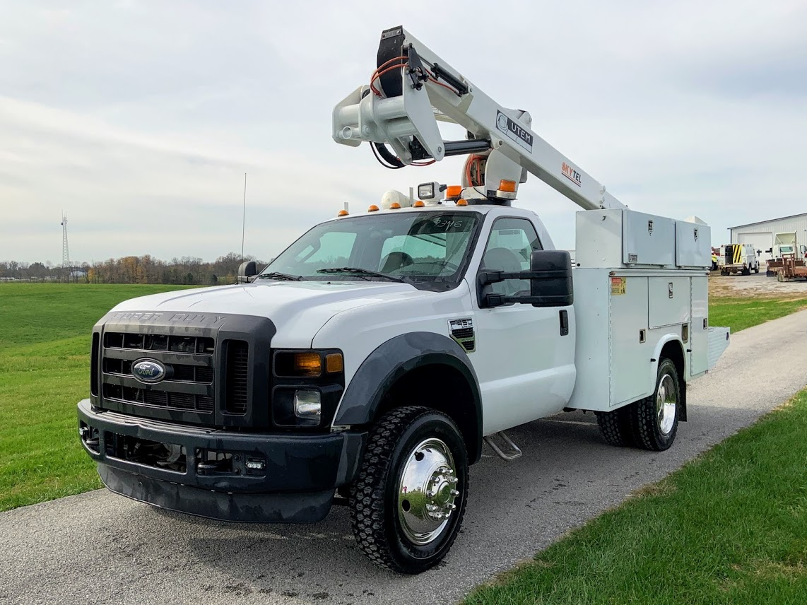 2008 Ford F-450 Regular Cab DRW 4x4, Utility Truck Equipment Other/Specialty #9346 - photo 1