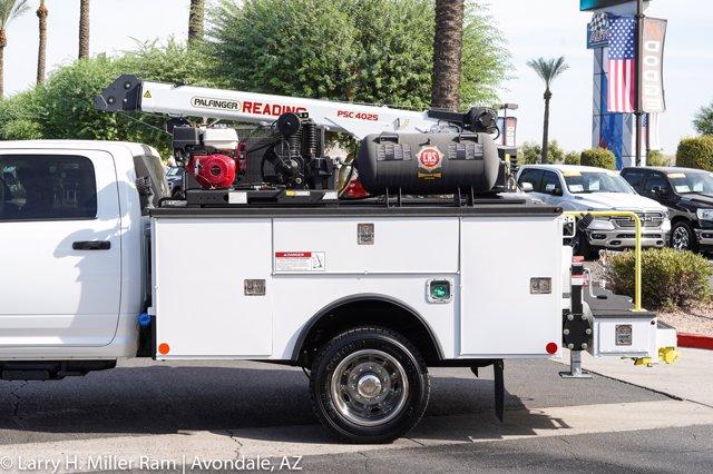 2020 Ram 4500 Crew Cab DRW 4x4, Reading Master Mechanic HD Crane Mechanics Body #20P00026 - photo 10