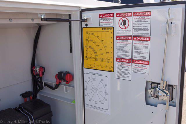 2021 Ram 3500 Crew Cab DRW 4x4, Reading Master Mechanic HD Crane Mechanics Body #21P00052 - photo 17