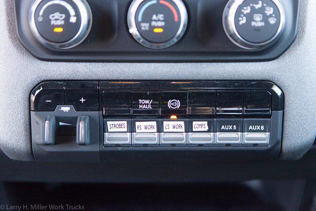 2021 Ram 3500 Crew Cab DRW 4x4, Reading Master Mechanic HD Crane Mechanics Body #21P00052 - photo 25