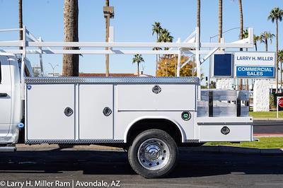 2021 Ram 5500 Crew Cab DRW 4x4, Royal Truck Body Service Body #21P00074 - photo 4