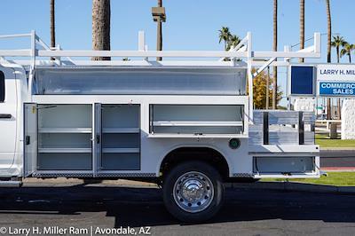 2021 Ram 5500 Crew Cab DRW 4x4, Royal Truck Body Service Body #21P00074 - photo 5