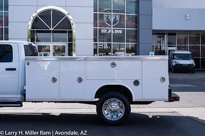 2021 Ram 5500 Crew Cab DRW 4x4, Royal Truck Body Service Body #21P00075 - photo 4