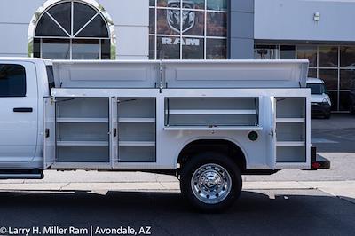 2021 Ram 5500 Crew Cab DRW 4x4, Royal Truck Body Service Body #21P00075 - photo 5