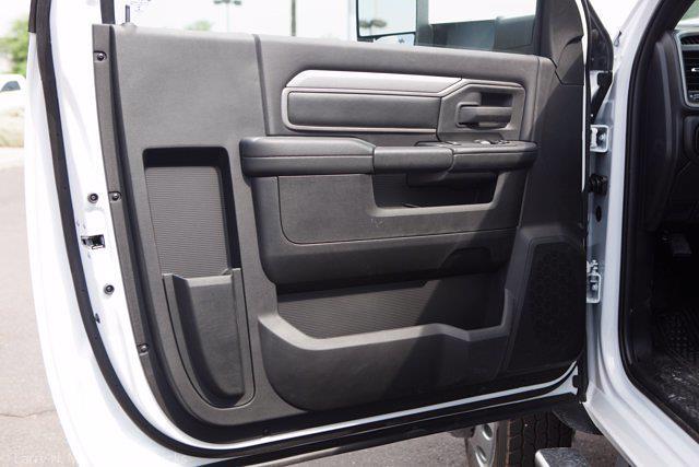 2021 Ram 5500 Regular Cab DRW 4x4,  Knapheide KMT Mechanics Body #21P00110 - photo 24