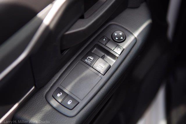 2021 Ram 5500 Regular Cab DRW 4x4,  Knapheide KMT Mechanics Body #21P00110 - photo 25