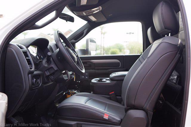 2021 Ram 5500 Regular Cab DRW 4x4,  Knapheide KMT Mechanics Body #21P00110 - photo 26