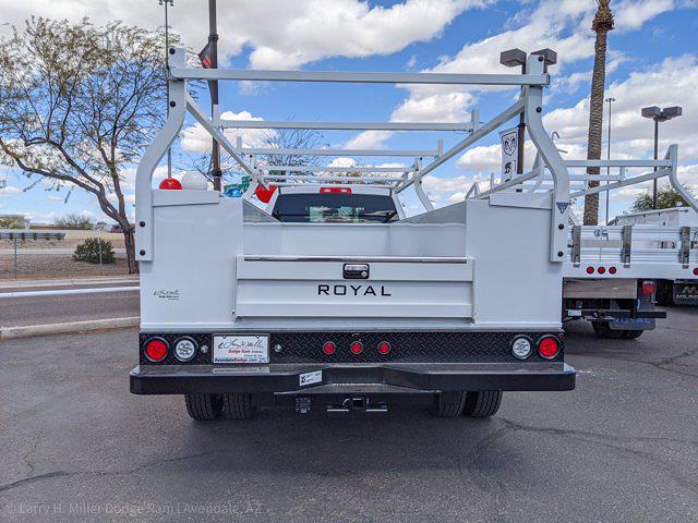 2021 Ram 5500 Crew Cab DRW 4x4,  Royal Truck Body Service Body #21P00127 - photo 4