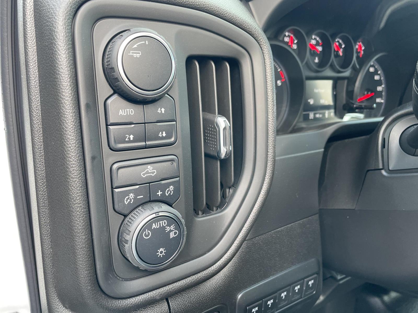 2021 Chevrolet Silverado 3500 Regular Cab AWD, Knapheide PGND Gooseneck Hauler Body #143979 - photo 11