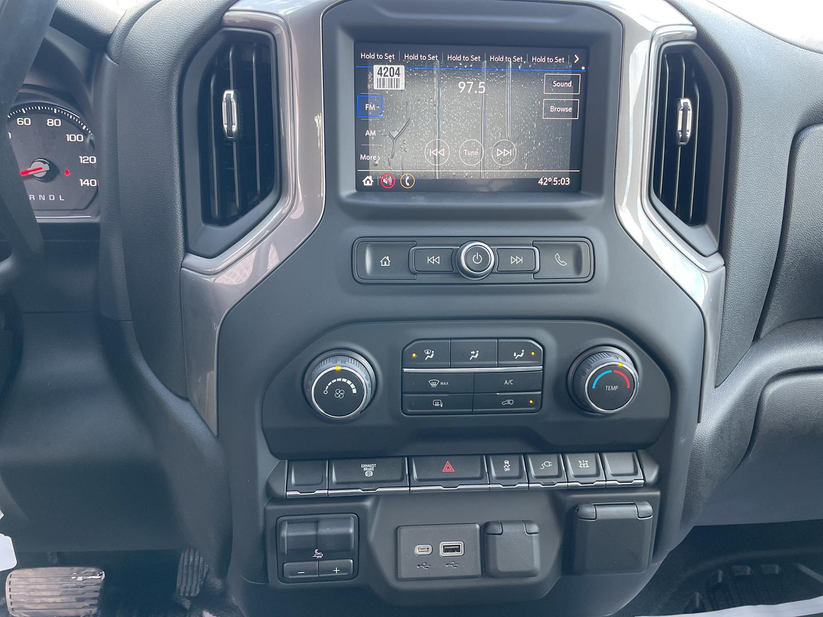 2021 Chevrolet Silverado 3500 Regular Cab AWD, Knapheide PGND Gooseneck Hauler Body #143979 - photo 18