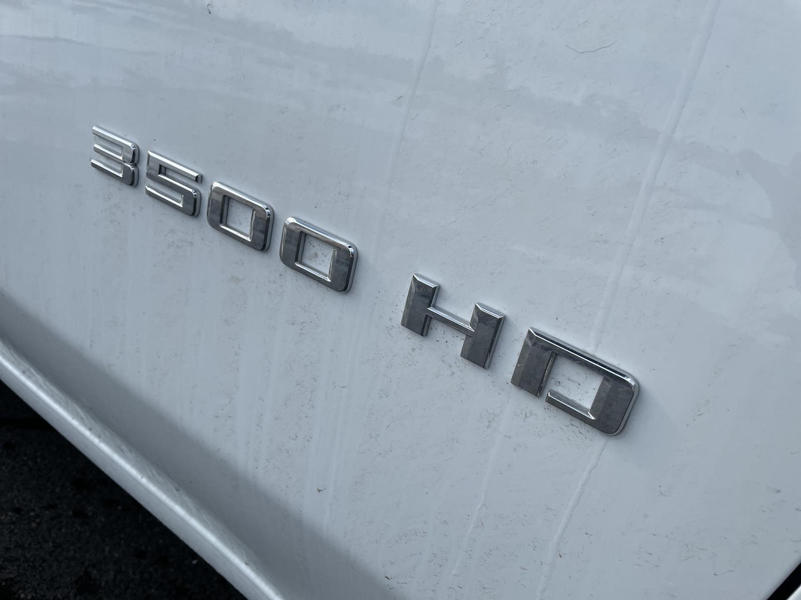2021 Chevrolet Silverado 3500 Regular Cab AWD, Knapheide PGND Gooseneck Hauler Body #143979 - photo 7