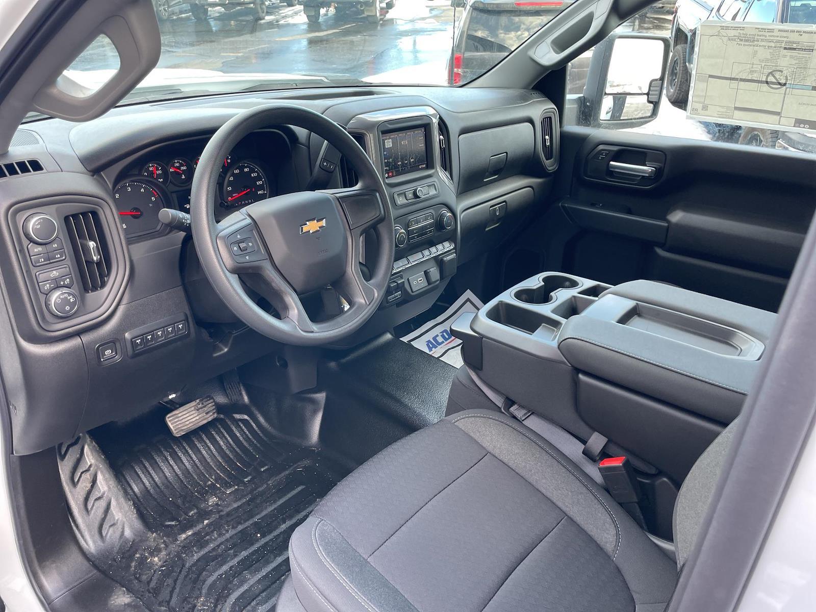 2021 Chevrolet Silverado 3500 Regular Cab AWD, Knapheide PGND Gooseneck Hauler Body #143979 - photo 9