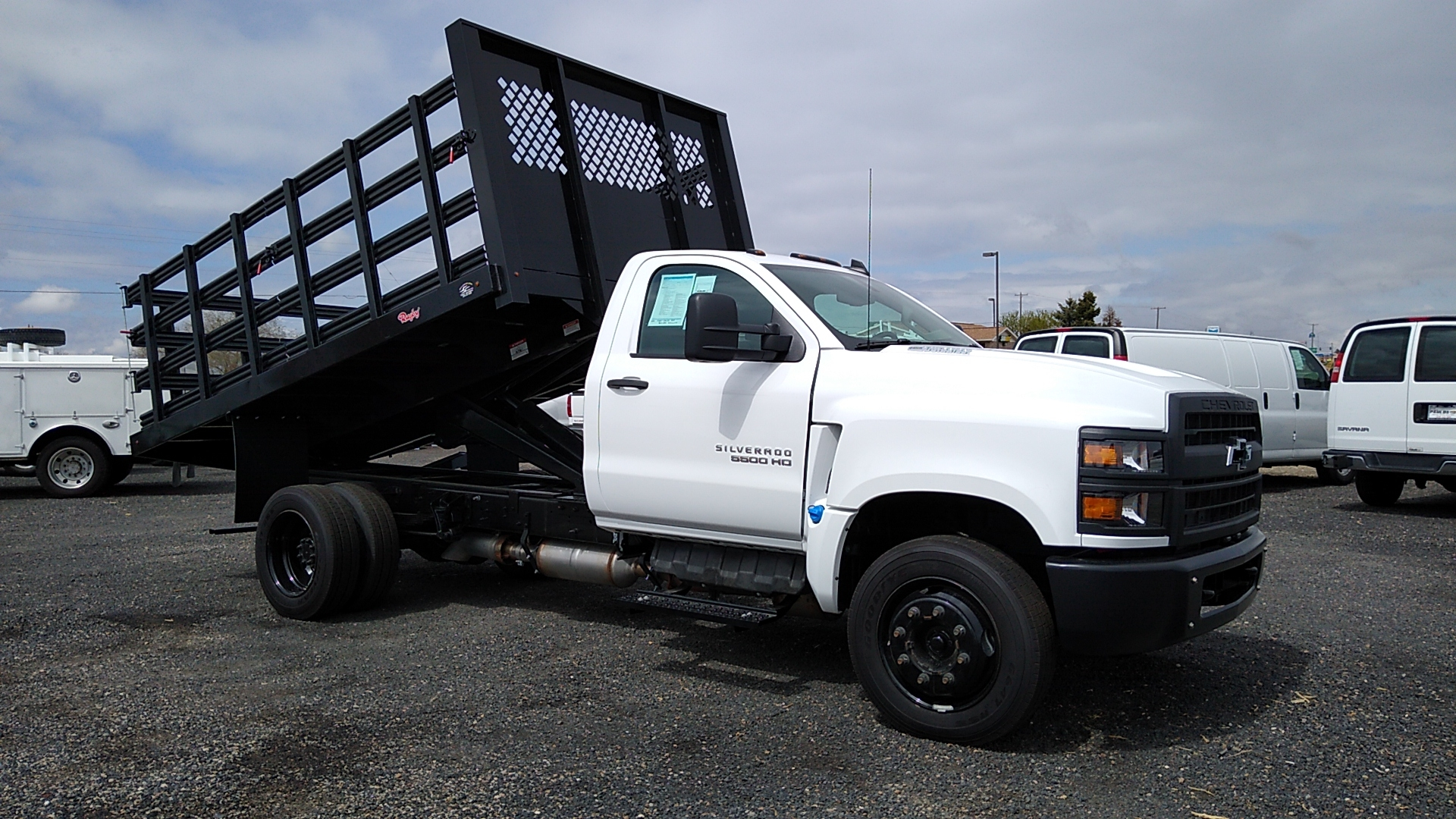 2020 Chevrolet Silverado 5500 Regular Cab DRW 4x2, Rugby Landscape Dump #288938 - photo 1