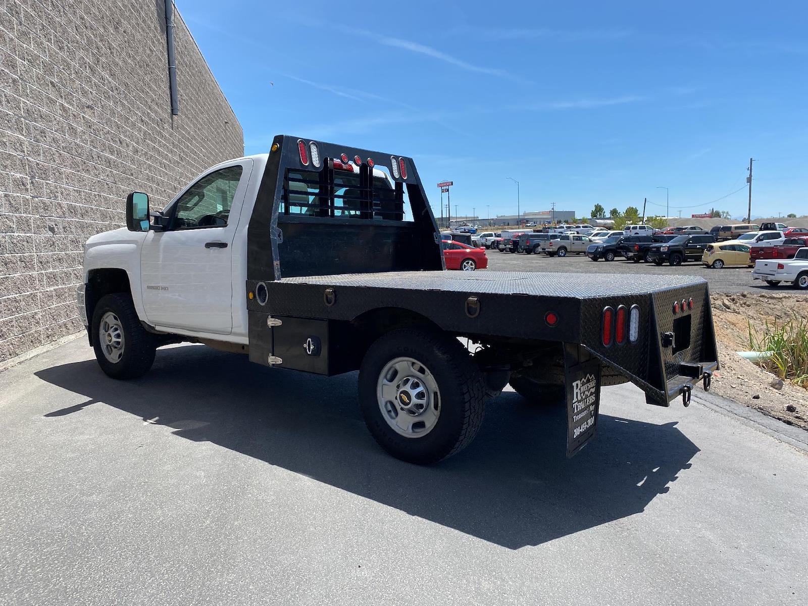 2018 Chevrolet Silverado 2500 Regular Cab 4x4, Platform Body #U6031 - photo 1