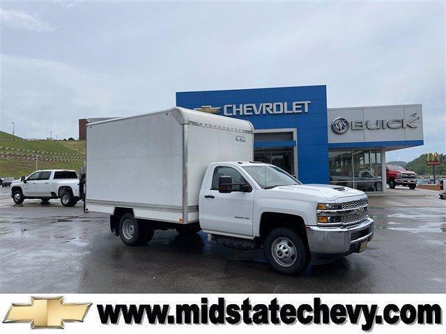 2019 Chevrolet Silverado 3500 Regular Cab DRW 4x4, Dry Freight #14032851 - photo 1