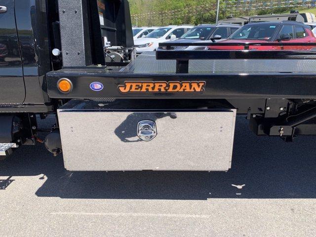 2019 Chevrolet Silverado Medium Duty Regular Cab DRW 4x2, Jerr-Dan Rollback Body #50030831 - photo 8
