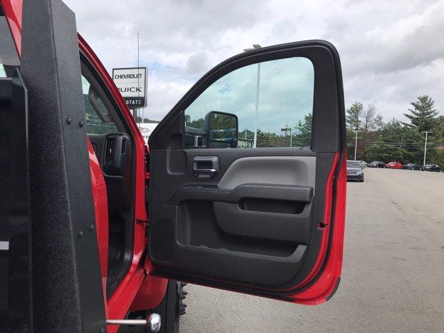 2020 Chevrolet Silverado Medium Duty Regular Cab DRW 4x4, Jerr-Dan Standard Duty Carriers Rollback Body #50031661 - photo 10
