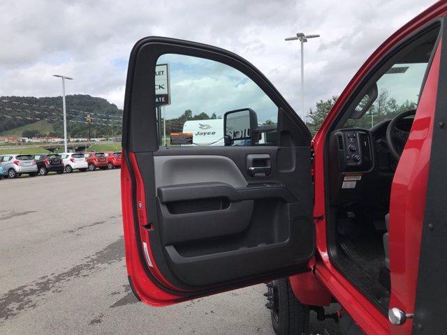 2020 Chevrolet Silverado Medium Duty Regular Cab DRW 4x4, Jerr-Dan Standard Duty Carriers Rollback Body #50031661 - photo 12