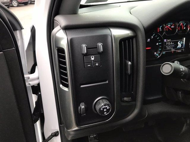 2020 Chevrolet Silverado Medium Duty Regular Cab DRW 4x2, Jerr-Dan Rollback Body #50032128 - photo 12