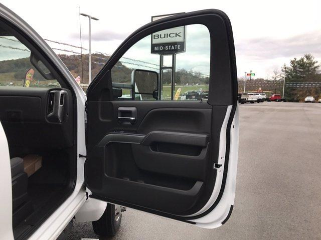 2020 Chevrolet Silverado Medium Duty Regular Cab DRW 4x2, Jerr-Dan Rollback Body #50032128 - photo 8