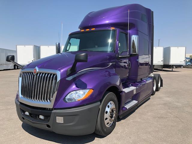 2018 International LT 6x4, Tractor #178250 - photo 1