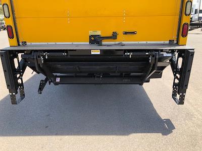 2016 International DuraStar 4300 4x2, Dry Freight #178966 - photo 3