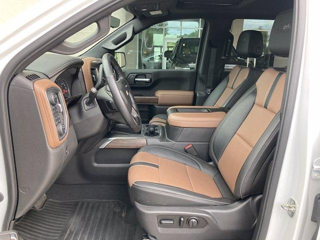 2020 Chevrolet Silverado 1500 Crew Cab 4x4, Pickup #C2652A - photo 18