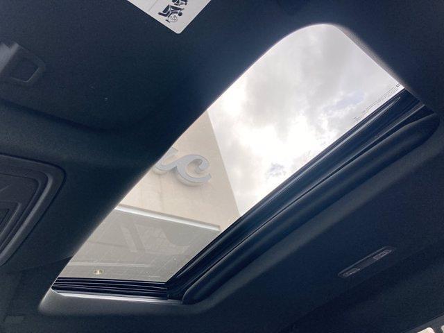 2020 Chevrolet Silverado 1500 Crew Cab 4x4, Pickup #C2652A - photo 24