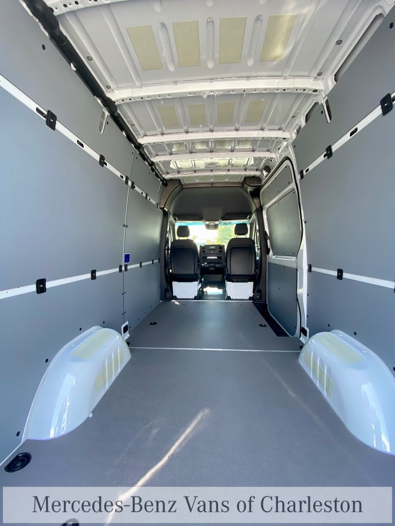 2020 Mercedes-Benz Sprinter 2500 4x4, Empty Cargo Van #MB10408 - photo 10