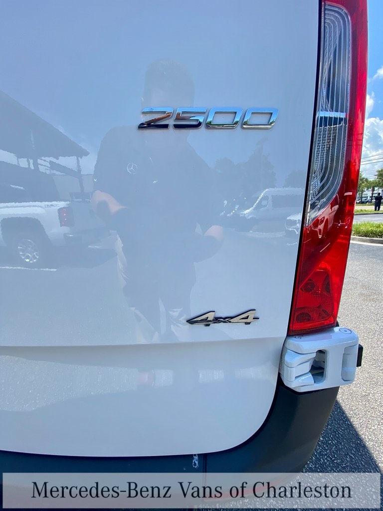 2020 Mercedes-Benz Sprinter 2500 4x4, Empty Cargo Van #MB10408 - photo 11