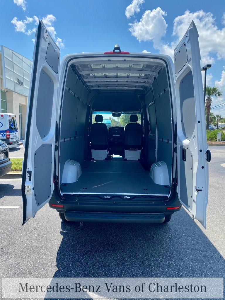 2020 Mercedes-Benz Sprinter 2500 4x4, Empty Cargo Van #MB10408 - photo 2