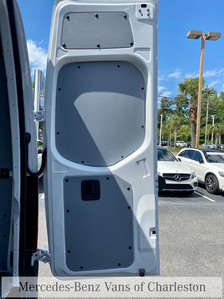 2020 Mercedes-Benz Sprinter 2500 4x4, Empty Cargo Van #MB10409 - photo 13