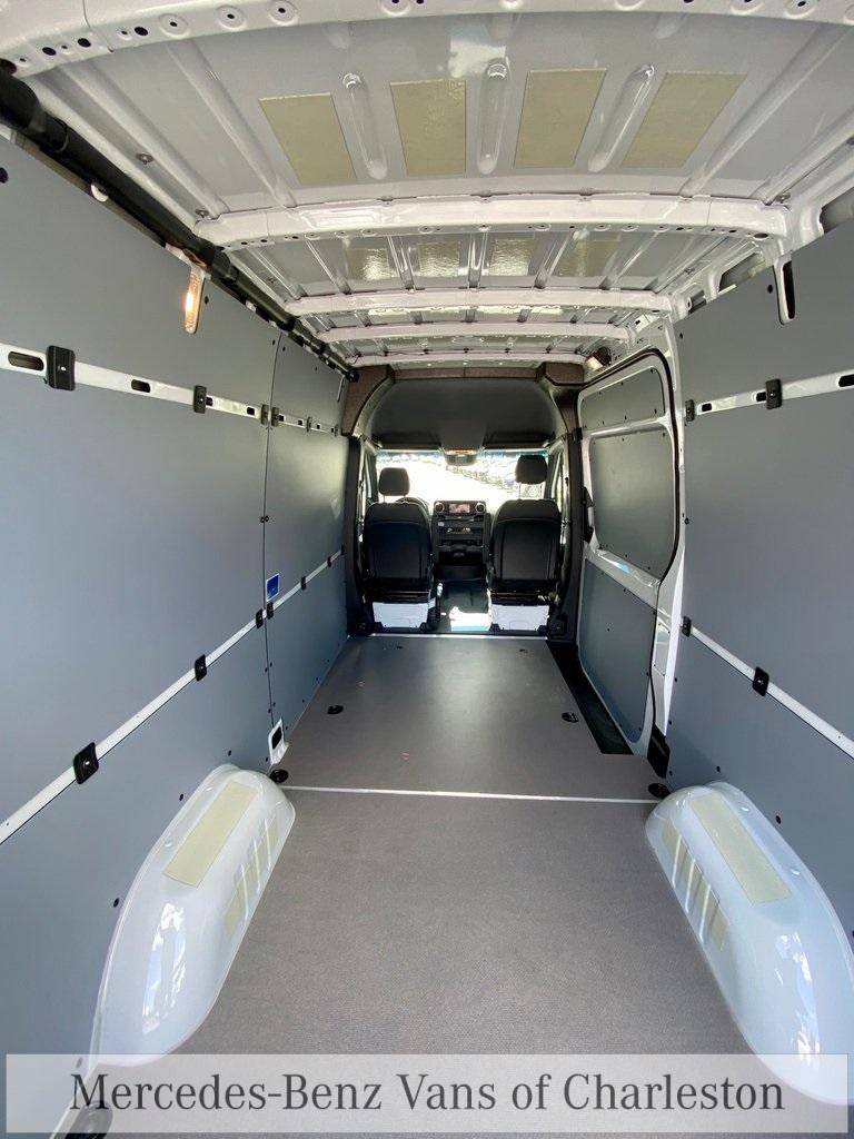 2020 Mercedes-Benz Sprinter 2500 4x4, Empty Cargo Van #MB10409 - photo 14