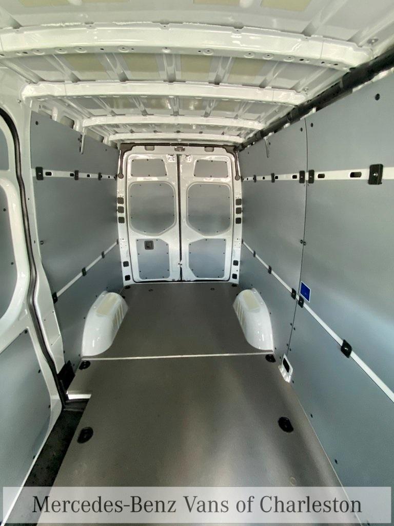 2020 Mercedes-Benz Sprinter 2500 4x4, Empty Cargo Van #MB10409 - photo 19