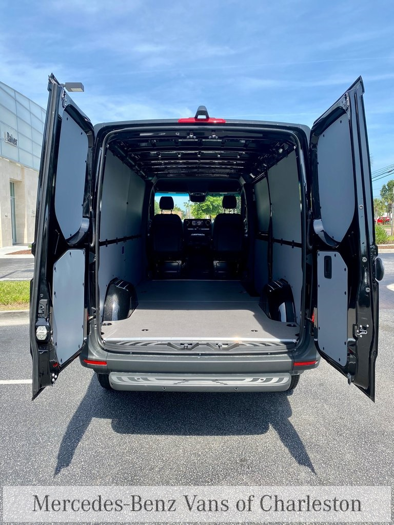 2020 Mercedes-Benz Sprinter 2500 4x4, Empty Cargo Van #MB10411 - photo 2